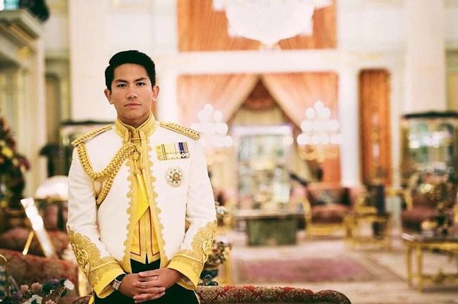 Hoàng tử điển trai tìm vợ khiến dân mạng Việt Nam xôn xao giàu cỡ nào? - 7