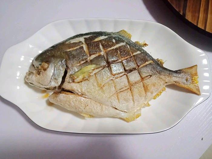 Cá chim chế biến thế này, bữa cơm bỗng sang như có cỗ - 6
