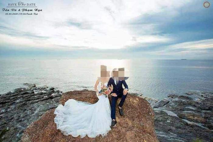 Xé lòng hình ảnh chú rể ôm quan tài người vợ sắp cưới chết vì TNGT