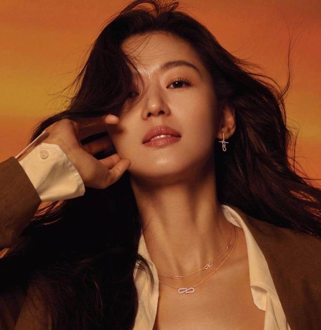Vợ là nữ thần mặc mộc nhưng chồng amp;#34;mợ chảnhamp;#34; Jeon Ji Hyun vẫn phàn nàn chê cô xấu - 3
