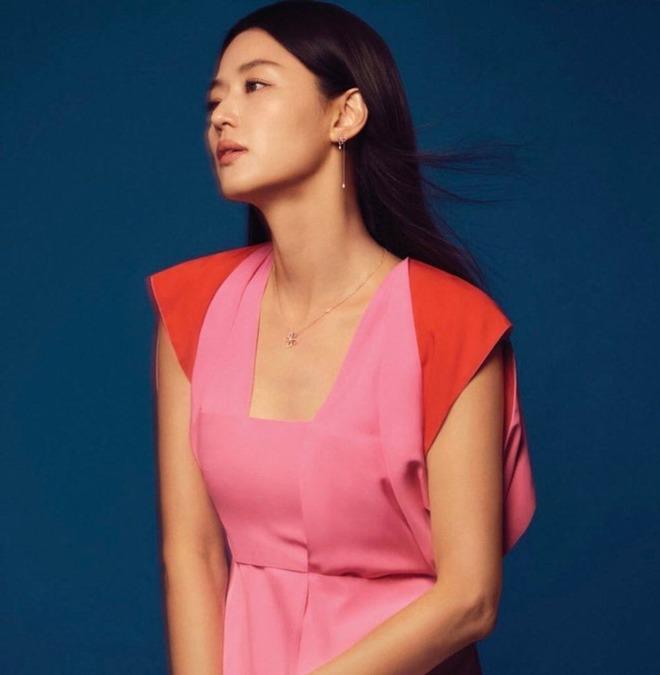 Vợ là nữ thần mặc mộc nhưng chồng amp;#34;mợ chảnhamp;#34; Jeon Ji Hyun vẫn phàn nàn chê cô xấu - 4