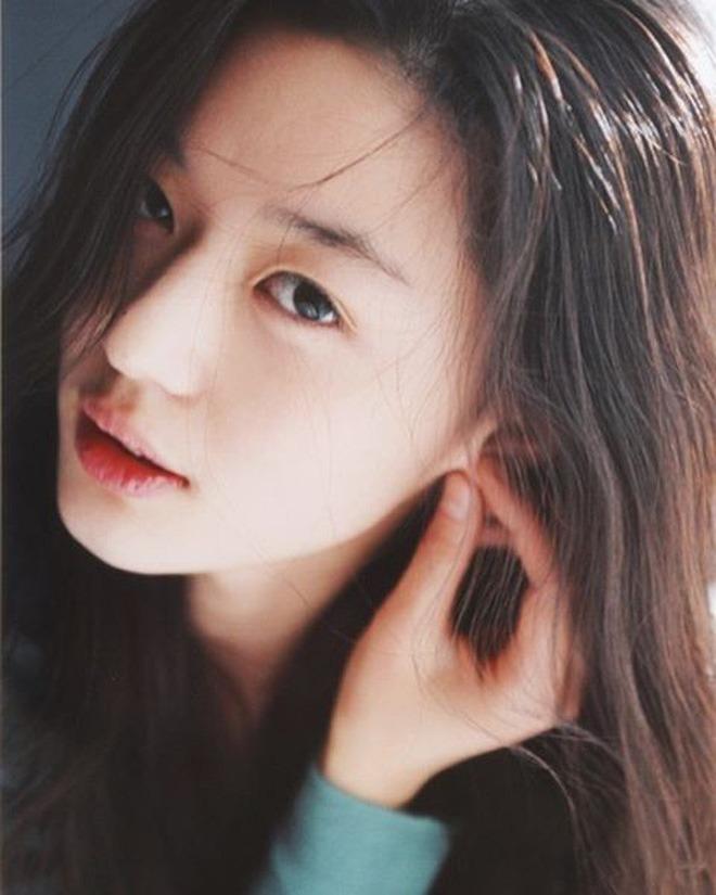 Vợ là nữ thần mặc mộc nhưng chồng amp;#34;mợ chảnhamp;#34; Jeon Ji Hyun vẫn phàn nàn chê cô xấu - 6