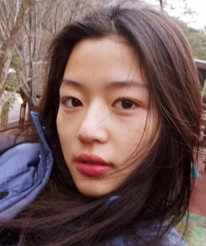 Vợ là nữ thần mặc mộc nhưng chồng amp;#34;mợ chảnhamp;#34; Jeon Ji Hyun vẫn phàn nàn chê cô xấu - 5