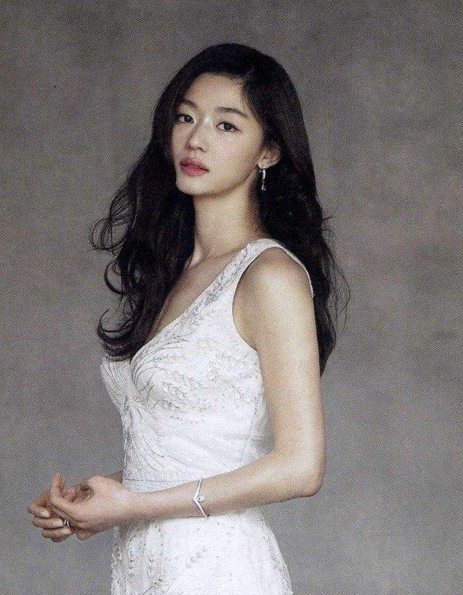 Vợ là nữ thần mặc mộc nhưng chồng amp;#34;mợ chảnhamp;#34; Jeon Ji Hyun vẫn phàn nàn chê cô xấu - 8