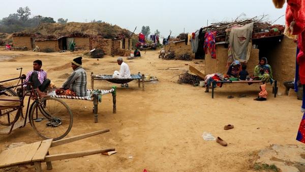 Kỳ lạ ngôi làng có hàng trăm người giống hệt nhau dù không cùng huyết thống - 1