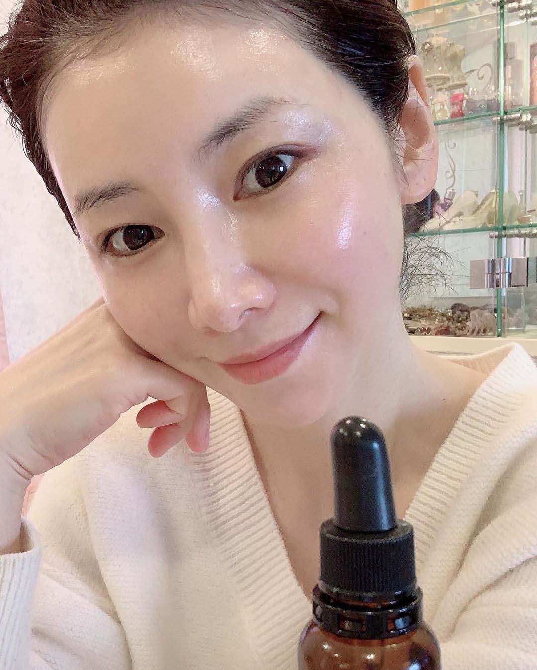 """Lắng nghe phù thuỷ làn da xứ Nhật chia sẻ cách làm trẻ hoá da: U60 """"chặt đẹpamp;#34; U30 - 5"""