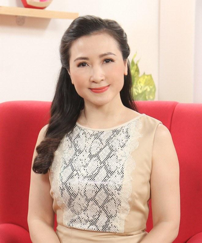 Khánh Huyền - amp;#34;vợ anh trưởng thôn vác tù vàamp;#34;: Trẻ đẹp tuổi U50, hạnh phúc bên chồng thứ 2 - 8