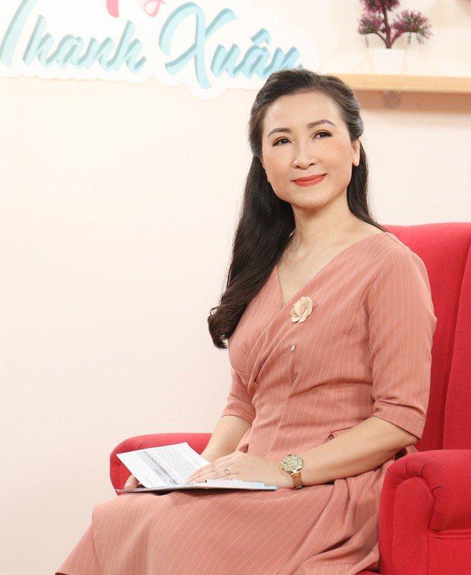 Khánh Huyền - amp;#34;vợ anh trưởng thôn vác tù vàamp;#34;: Trẻ đẹp tuổi U50, hạnh phúc bên chồng thứ 2 - 1