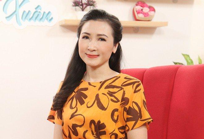 Khánh Huyền - amp;#34;vợ anh trưởng thôn vác tù vàamp;#34;: Trẻ đẹp tuổi U50, hạnh phúc bên chồng thứ 2 - 5
