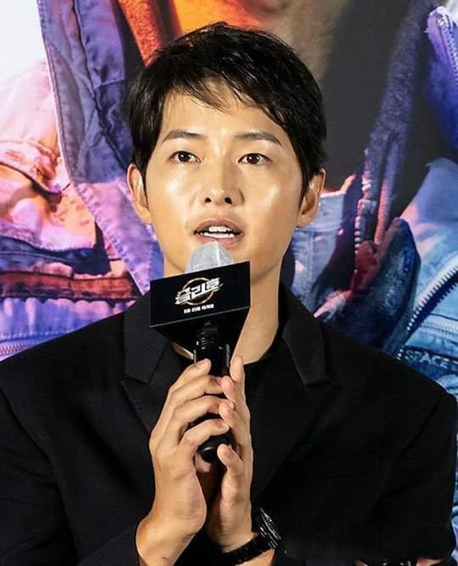 Song Joong Ki gây chú ý vì tăng cân, mặt tròn xoe nhưng tuyên bố của anh mới đáng bàn - 5