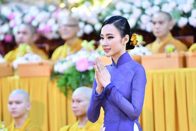 Sao Việt 24h: Hình ảnh đẹp amp;#34;thoát tụcamp;#34; của Angela Phương Trinh ở chùa gây bão mạng - 3