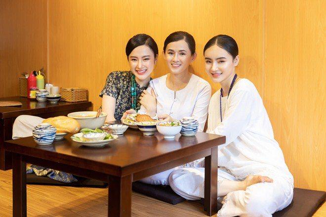 Sao Việt 24h: Hình ảnh đẹp amp;#34;thoát tụcamp;#34; của Angela Phương Trinh ở chùa gây bão mạng - 12