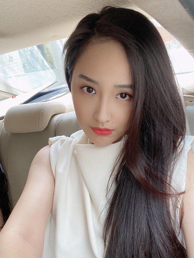 Sao Việt 24h: Hình ảnh đẹp amp;#34;thoát tụcamp;#34; của Angela Phương Trinh ở chùa gây bão mạng - 22