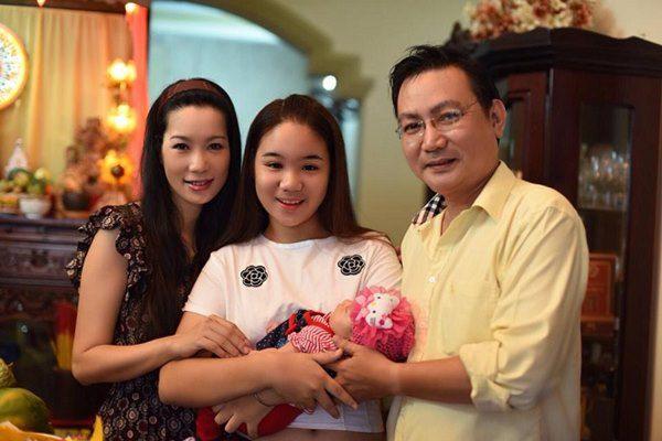 Đại gia amp;#34;ở rểamp;#34; lấy người đẹp Việt, tặng vô số quà, làm Á hậu ngộp thở vì sướng - 6