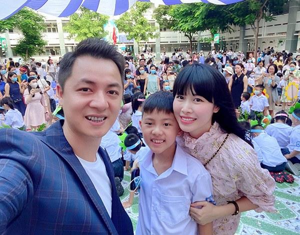 Đưa con đi khai giảng, dân tình để ý nhiều sao Việt đại gia cho con học trường bình dân - 3