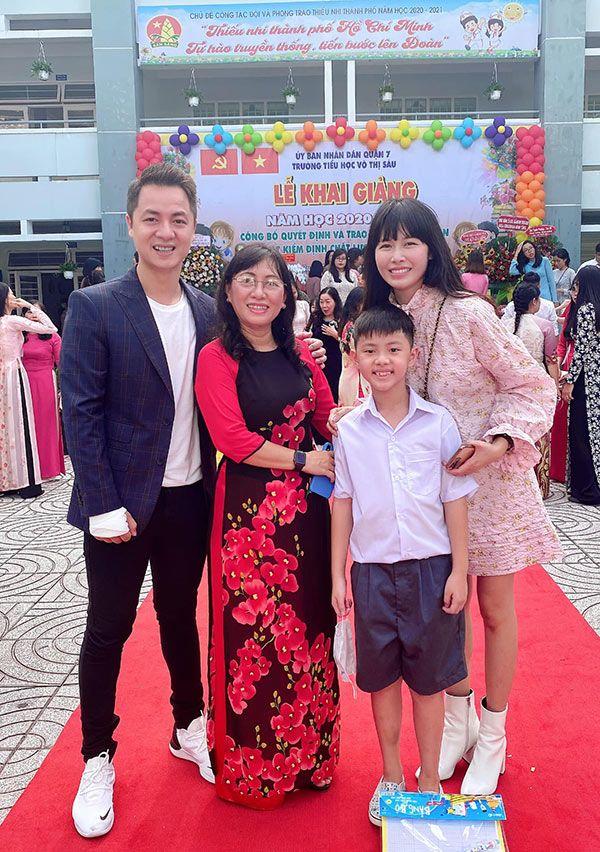 Đưa con đi khai giảng, dân tình để ý nhiều sao Việt đại gia cho con học trường bình dân - 4