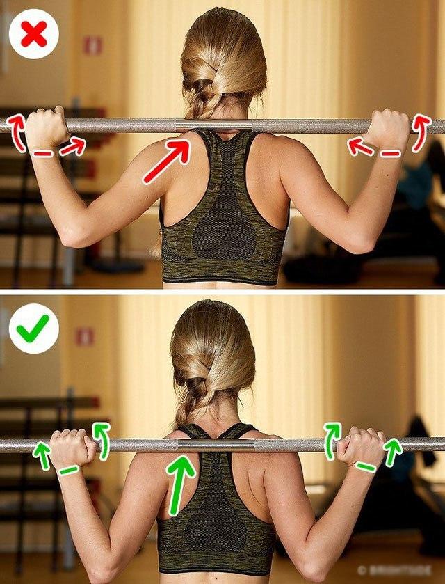 Tổng hợp những tư thế tập luyện sai chị em thường mắc phải rất dễ gây đau thắt lưng - 3