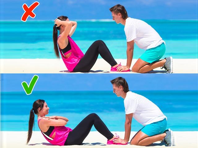 Tổng hợp những tư thế tập luyện sai chị em thường mắc phải rất dễ gây đau thắt lưng - 7
