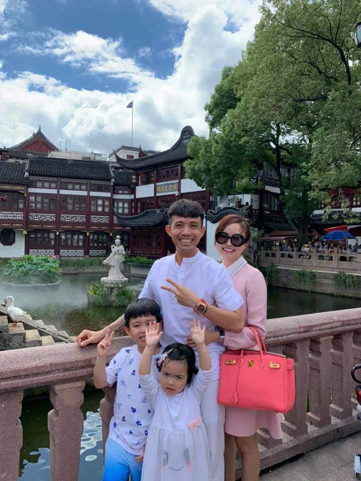 Bà ngoại nóng bỏng nhất Việt Nam: 30 tuổi đã bế cháu, chồng là bạn thân Cường Đô La - Ảnh 2