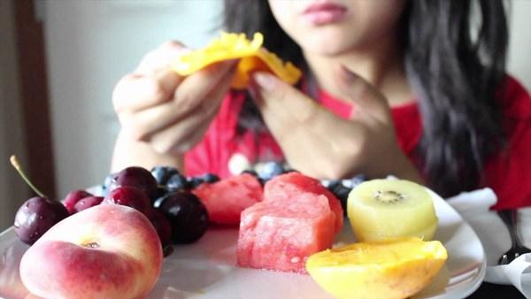 5 thời điểm ăn trái cây tốt như ăn nhân sâm, 2 thời điểm cấm ăn dù thèm tới mấy - 1