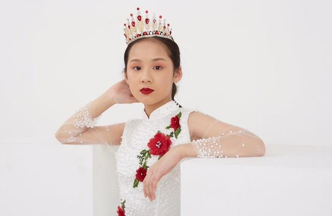 Bé gái Hải Phòng sống tại London học cùng trường con Hoàng tử Anh, thân thế cũng không vừa - 6