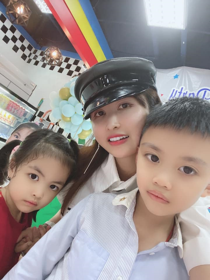 Bà ngoại nóng bỏng nhất Việt Nam: 30 tuổi đã bế cháu, chồng là bạn thân Cường Đô La - Ảnh 9