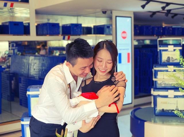 Bà ngoại nóng bỏng nhất Việt Nam: 30 tuổi đã bế cháu, chồng là bạn thân Cường Đô La - Ảnh 3