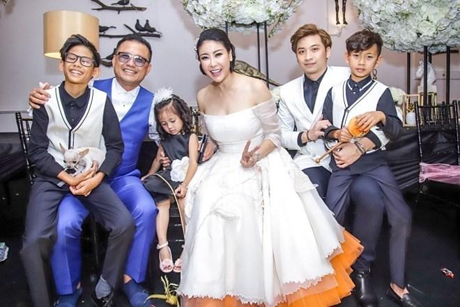 Gia thế khủng của đại gia cưới vợ là hoa hậu kém 12 tuổi, đám cưới chỉ 100 khách mời - 4