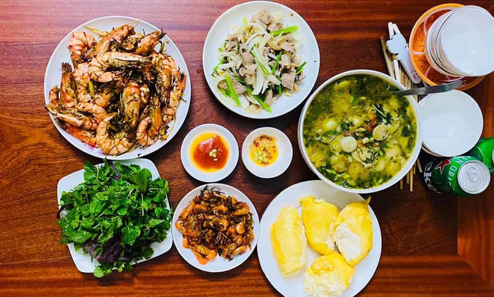 8X Thái Bình cứ nấu ăn là chồng lại xoa bụng, mỗi bữa cơm có giá 100-200 nghìn đồng - 17