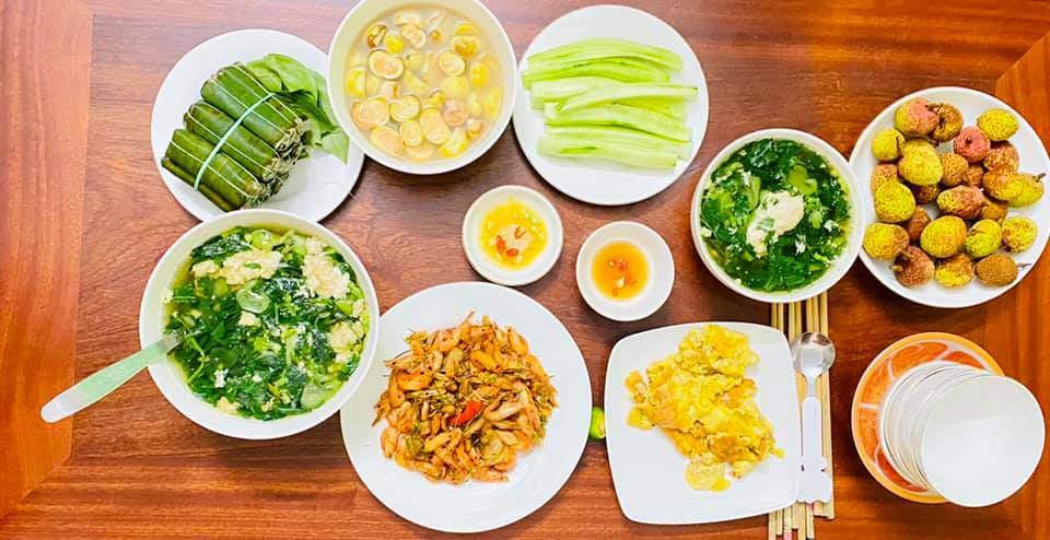 8X Thái Bình cứ nấu ăn là chồng lại xoa bụng, mỗi bữa cơm có giá 100-200 nghìn đồng - 18