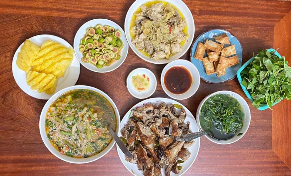 8X Thái Bình cứ nấu ăn là chồng lại xoa bụng, mỗi bữa cơm có giá 100-200 nghìn đồng - 4