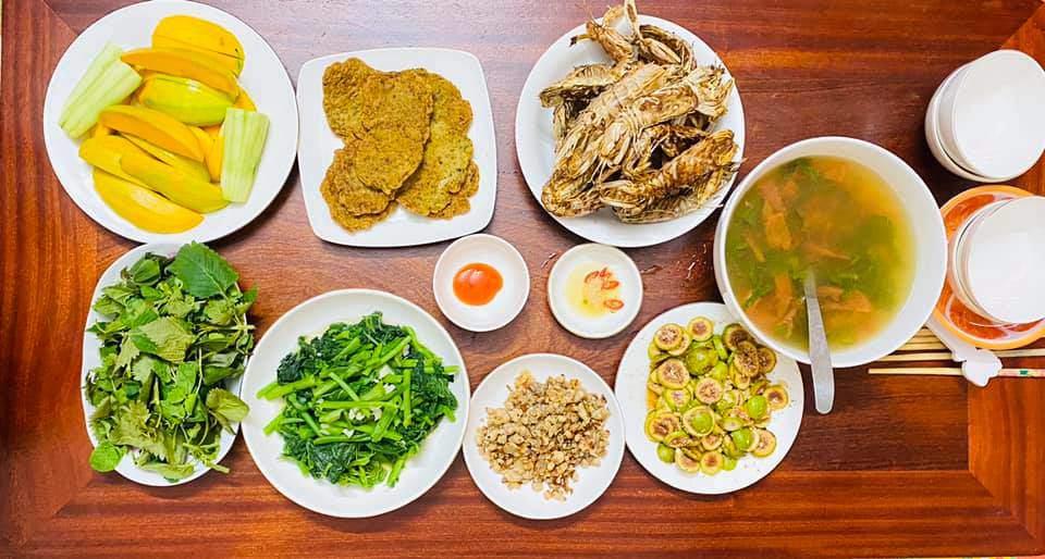 8X Thái Bình cứ nấu ăn là chồng lại xoa bụng, mỗi bữa cơm có giá 100-200 nghìn đồng - 7