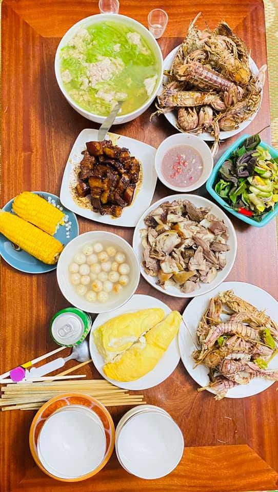 8X Thái Bình cứ nấu ăn là chồng lại xoa bụng, mỗi bữa cơm có giá 100-200 nghìn đồng - 11