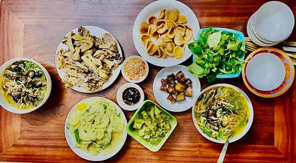 8X Thái Bình cứ nấu ăn là chồng lại xoa bụng, mỗi bữa cơm có giá 100-200 nghìn đồng - 15
