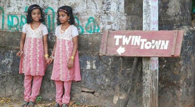 Bí ẩn ngôi làng sinh đôi, chỉ 2.000 dân nhưng có tới hơn 400 cặp sinh đôi giống hệt nhau - 4
