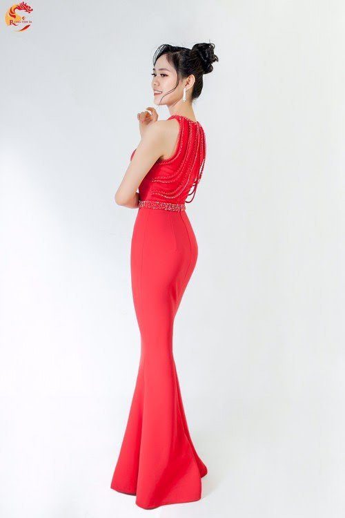 Đồng hương Hamp;#39;Hen Niê thi Hoa hậu Việt Nam, da trắng dáng xinh không kém Ngọc Trinh - 6