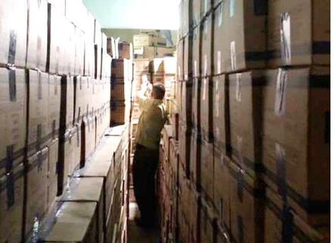 Bản tin tiêu dùng: Tiểu thương tiết lộ lý do tôm hùm giảm giá thê thảm, chỉ 300-520 nghìn đồng/kg - 4