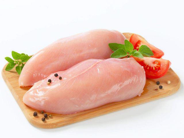 Mách mẹ cách nấu cháo gà bí đỏ cho bé ăn dặm đậm đà, bổ dưỡng - 4
