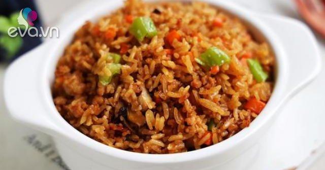 Cho gạo cùng những thứ này vào nồi cơm điện, nửa tiếng sau được bữa ngon không cần nấu nhiều