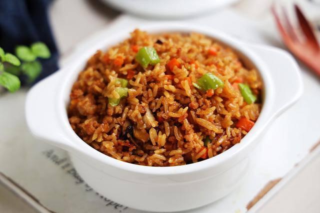 Cho gạo cùng những thứ này vào nồi cơm điện, nửa tiếng sau được bữa ngon không cần nấu nhiều - 6