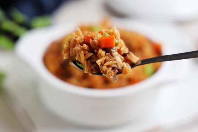 Cho gạo cùng những thứ này vào nồi cơm điện, nửa tiếng sau được bữa ngon không cần nấu nhiều - 7