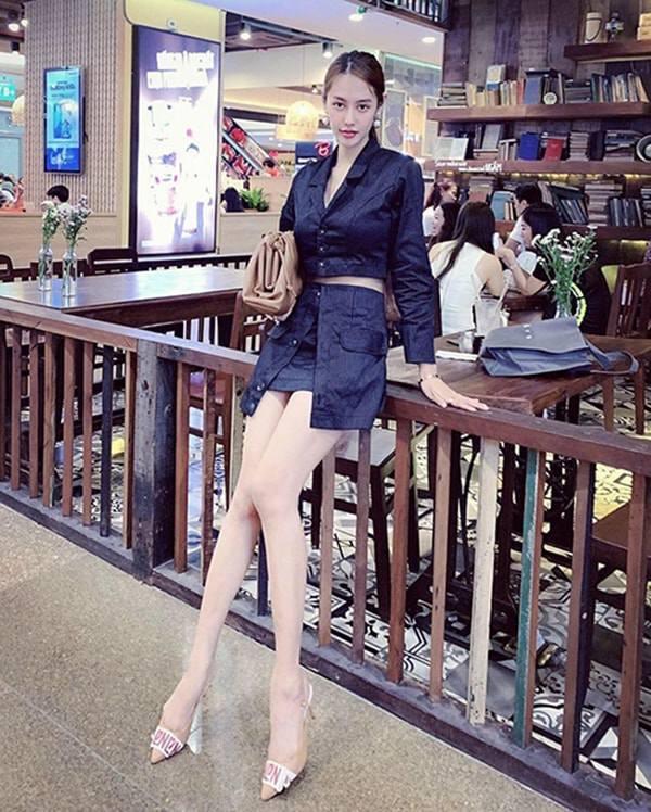 Dáng đẹp nức nở, mỹ nhânViệt vẫn mạnh tay photoshop: Lan Ngọc tay biến dạng, Hà Hồ mất đầu gối - 10