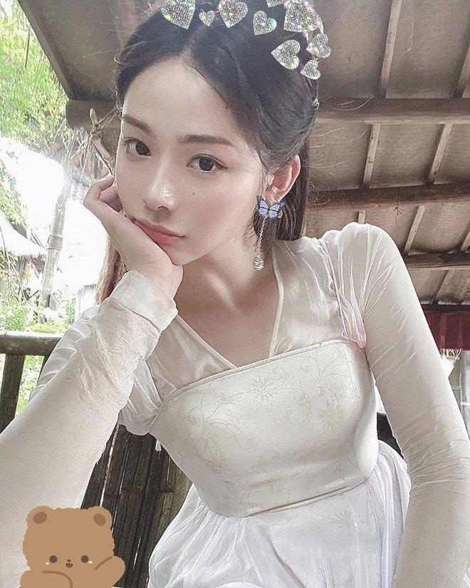 Danh tính cô gái đóng thế cho Lưu Diệc Phi, đánh bại nhan sắc của amp;#34;thần tiên tỷ tỷamp;#34; - 10