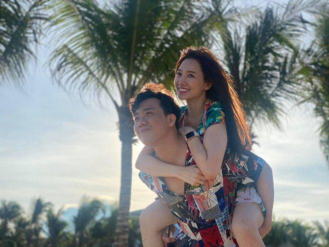 Hari Won - Trấn Thành hôn nhau 10 phút 1 lần, chưa sốc bằng tuyên bố chuyện amp;#34;giường chiếuamp;#34; - 6