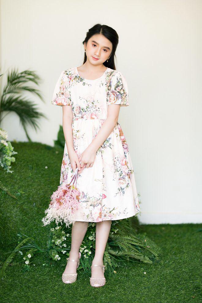 Bé gái nổi khắp Đà Lạt vì giống Hương Giang, 9 tuổi bắt xe đêm lên SG học người mẫu - 9