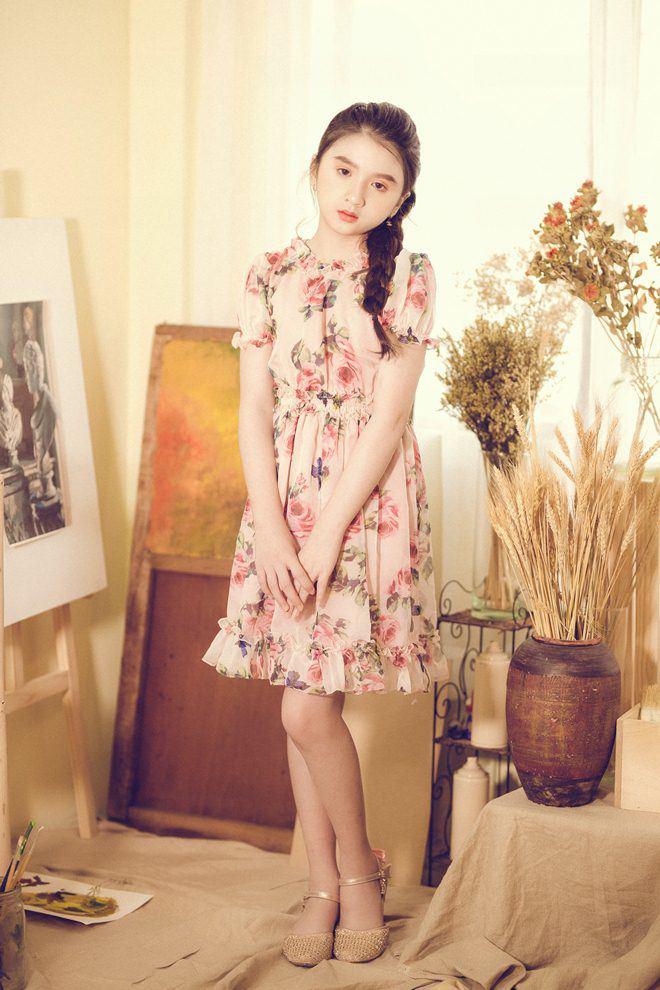 Bé gái nổi khắp Đà Lạt vì giống Hương Giang, 9 tuổi bắt xe đêm lên SG học người mẫu - 13
