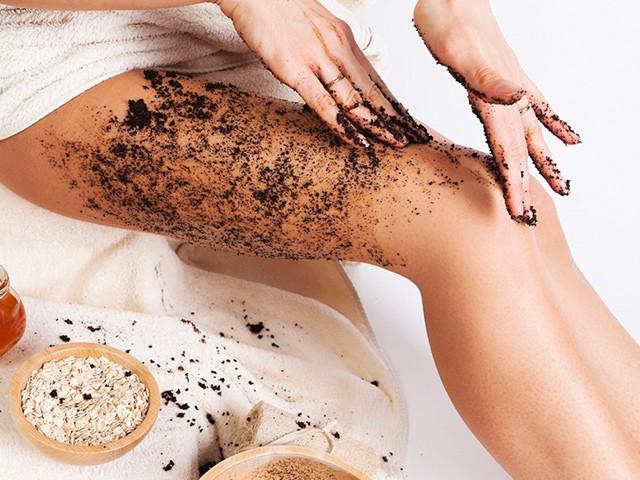Có 4 cách tắm trắng cà phê, chà đến đâu da bật tông đến đó hơn cả đi spa