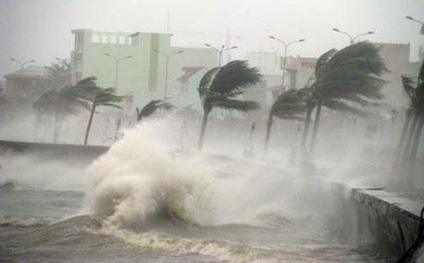 Bão số 5 diễn biến nguy hiểm: Mưa to từ chiều nay, lên kế hoạch sơ tán 1 triệu dân