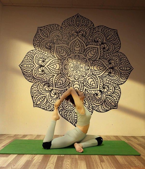 Chán gym, mỹ nhân Cô gái xấu xí một thời chuyển sang tập yoga để duy trì dáng nuột nà - 5