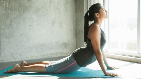 Chán gym, mỹ nhân Cô gái xấu xí một thời chuyển sang tập yoga để duy trì dáng nuột nà - 6